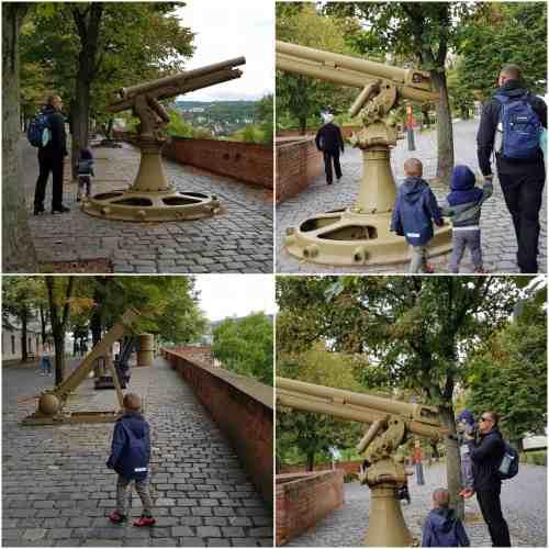 Budapest war memorial replicas