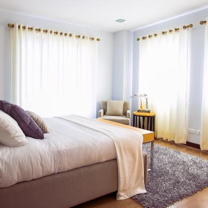 Jak odświeżyć sypialnię bez kupowania nowych rzeczy?