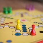 Sprawdzone gry planszowe na deszczowe wieczory!