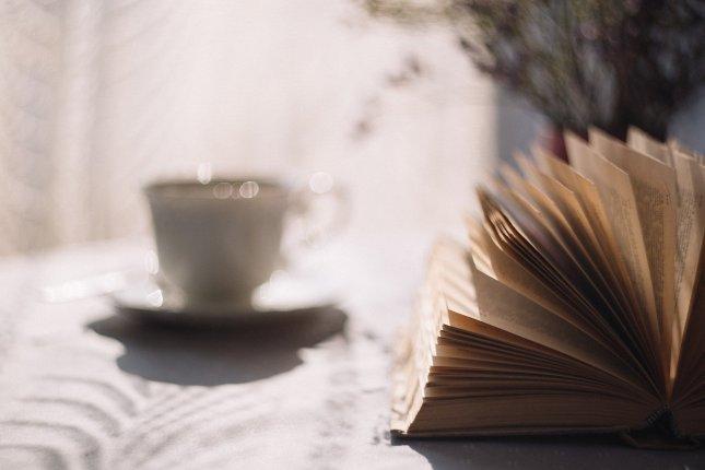 Książkowe pozycje, które idealnie sprawdzą się na długie wieczory!