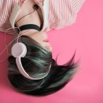 Muzyczny zawrót głowy: przegląd najlepszych płyt 2020 roku