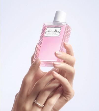 ニューノーマルの毎日に幸せな香りのひと時をもたらす「ミス ディオール ハンド ジェル」
