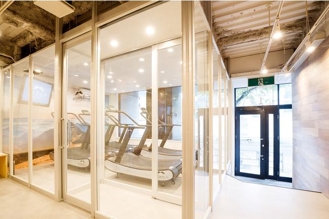 日本初の高地トレーニングスタジオ「ハイアルチ」船橋スタジオへ予約・決済システム「hacomono」導入