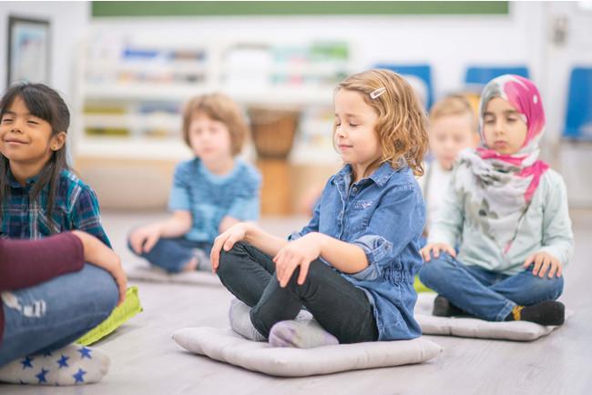 MELON、全国の小学校にマインドフルネス・プログラムを導入し、明確なストレス解消の効果を確認。