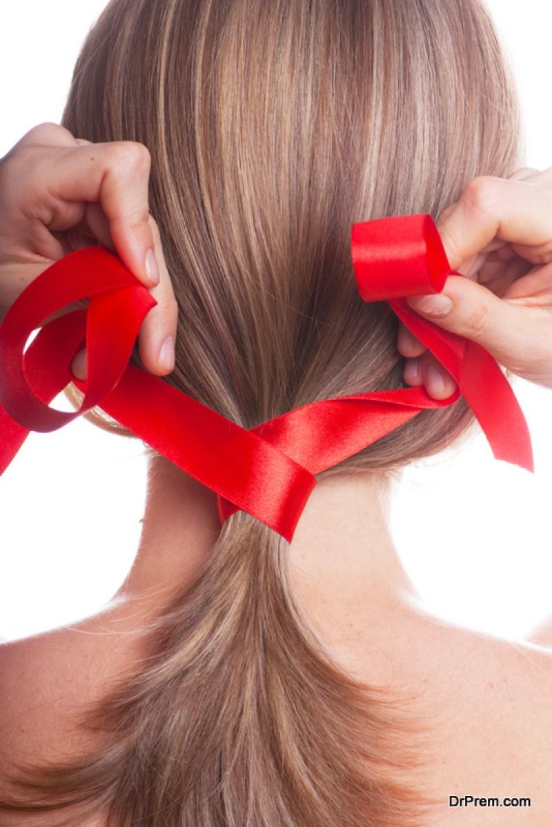 make a ribbon ponytail holder