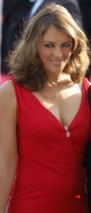 Valentino_Liz_Hurley_Cannes