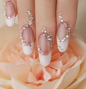 unique-wedding-nail-art-design
