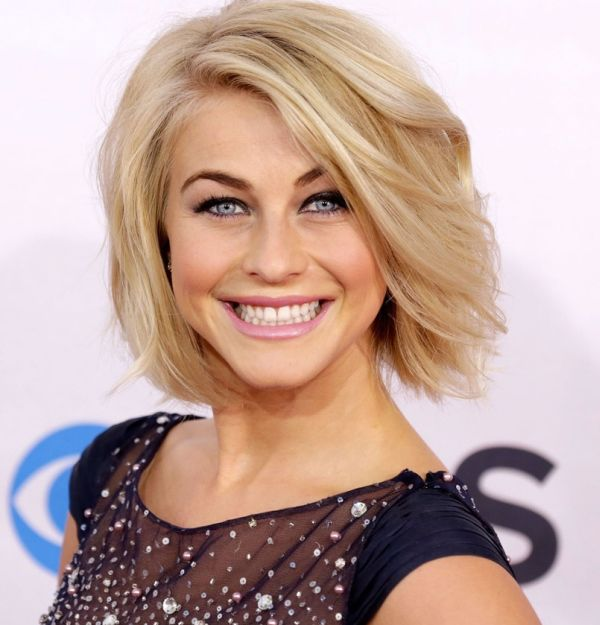 julianne-hough-people-s-choice-awards-2013-07