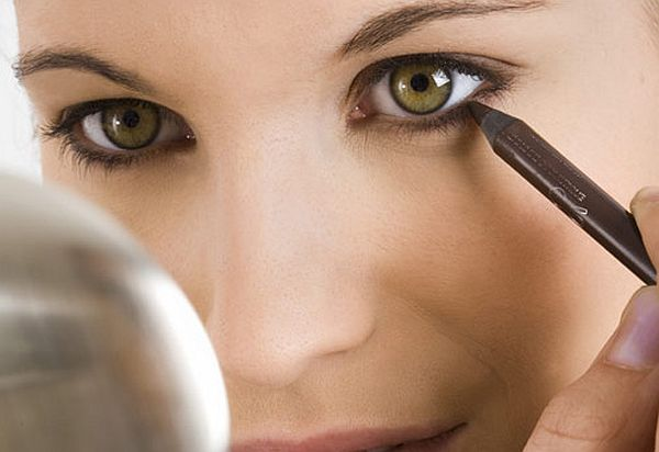 lower eyelid makeup