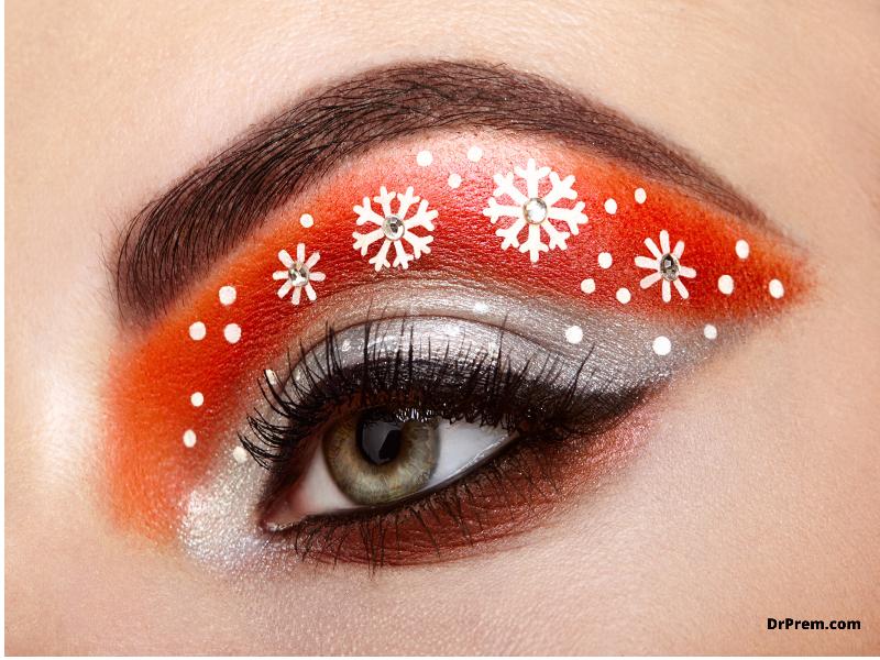 Christmas tree lights inspired eye makeup