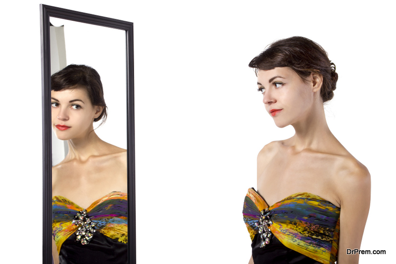get hold of a mirror