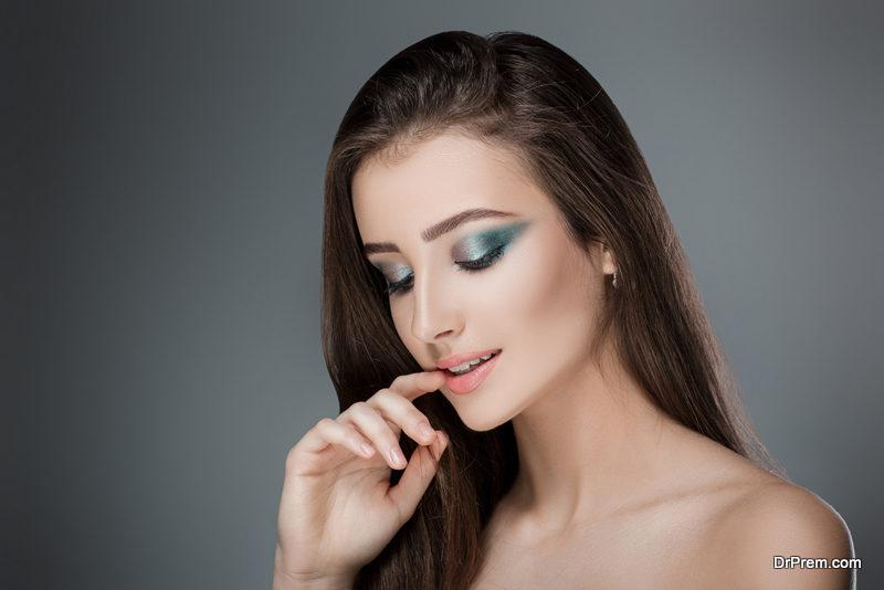 Mint green eyeshadow