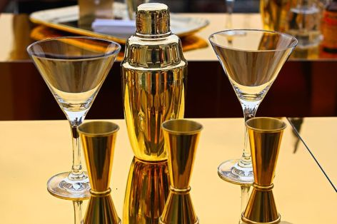 Lady-Million-Eau My-Gold-cocktail-cover