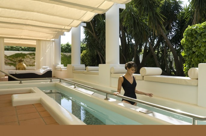 gambe-capri-palace-Spa-pool-kneipp