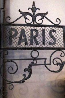 Diane-Pernet-Sahed-Parigi