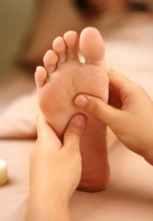 Beauty-Routine-Kiyoe-Sakamoto-massaggio