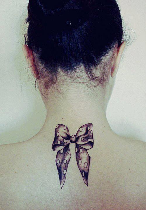tatuaggi-femminili-fiocco