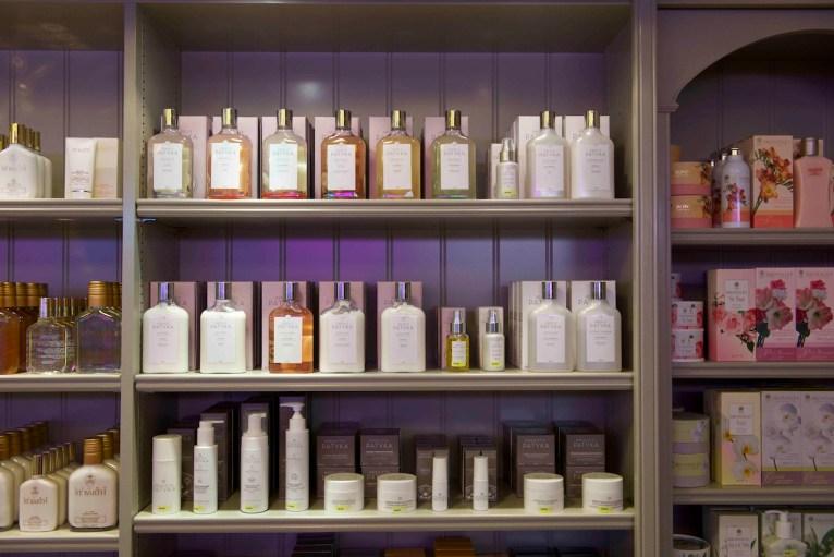 Nine-Perfumery-Arts-profumerie-3