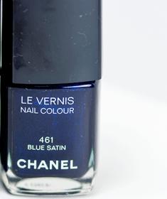 beauty-routine-stefania-cane-chanel-nail-blue-satin-bottles