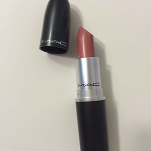 beauty-routine-mac