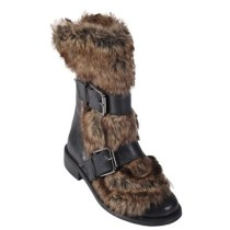 Alternative fur boot for the Alternative girl
