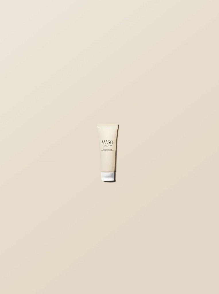 Ексфолиант за кожата на лицето Softy+Cushy Polisher на Shiseido.