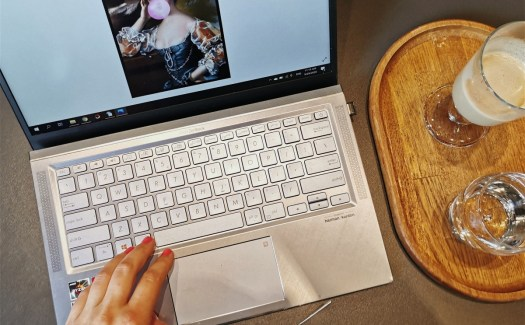 Лаптоп Asus.