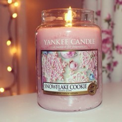 Yankee Candle in Snowflake Cookie