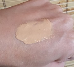 Charlotte Tilbury Magic Foundation 7