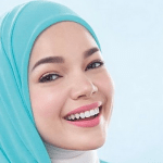 Make Up Yang Berkarakter Ala Dewi Sandra