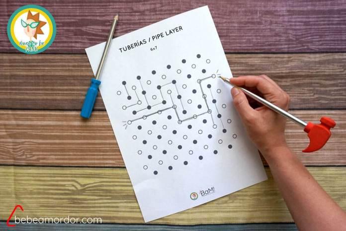 jugando a Pipe Layer o Tuberías de lápiz y papel