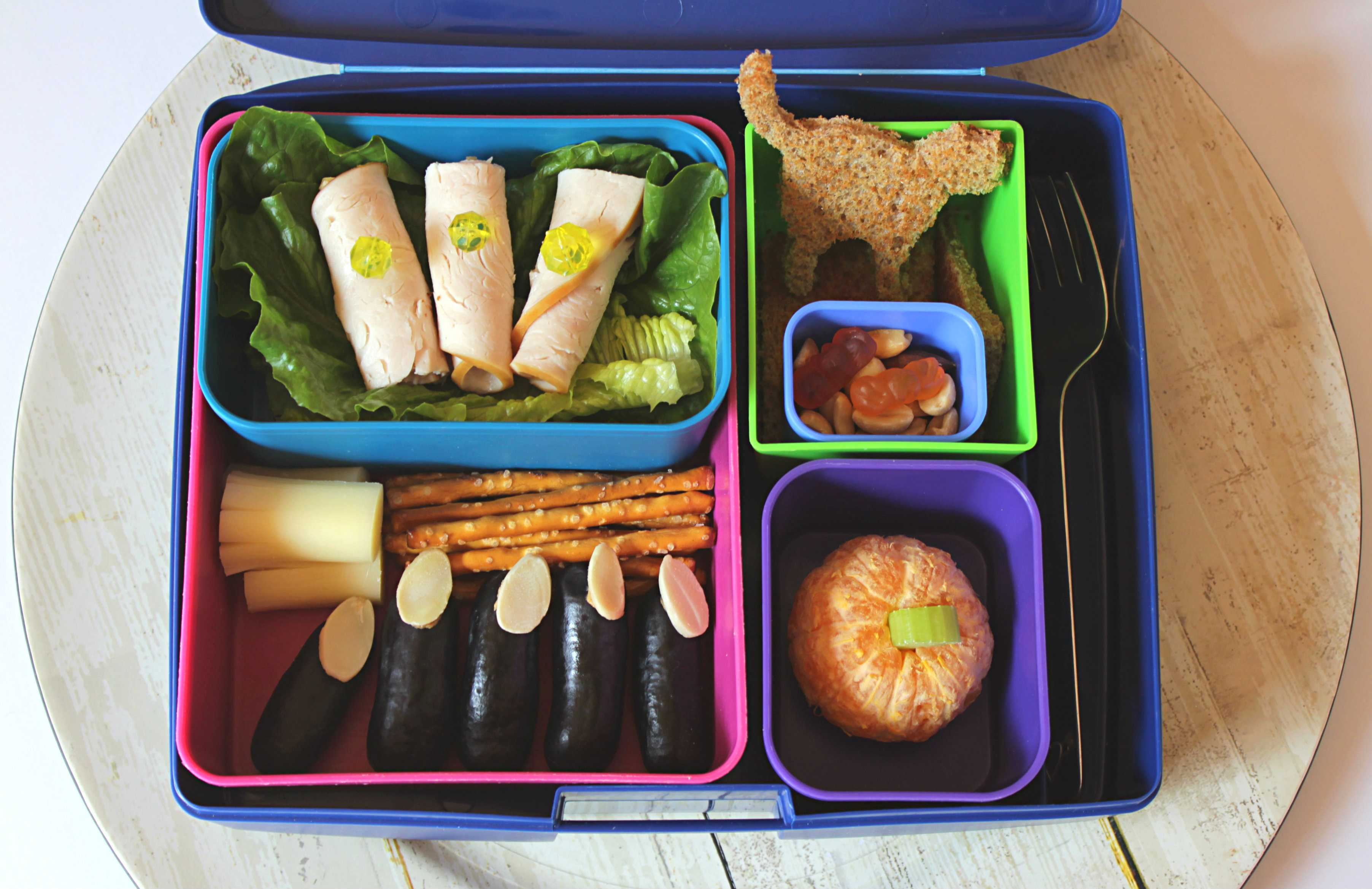 halloween bento box: Fun and Healthy lunches for kids and toddlers