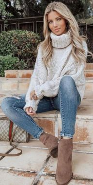 Casual Chic Women Outfits For Winter To Look Good 14