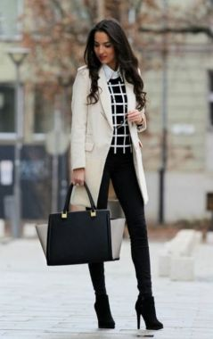 Casual Chic Women Outfits For Winter To Look Good 21