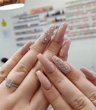 Cute And Chic Nail Design Ideas For Brides 01