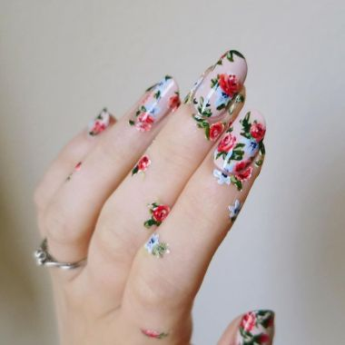 Cute And Chic Nail Design Ideas For Brides 04