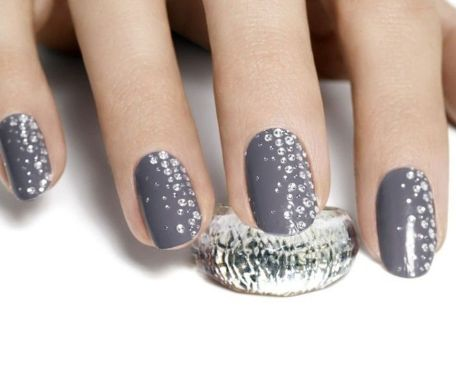 Cute And Chic Nail Design Ideas For Brides 14