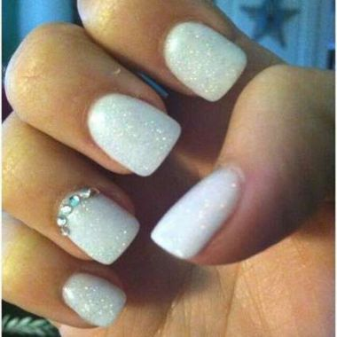 Cute And Chic Nail Design Ideas For Brides 19