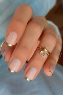 Cute And Chic Nail Design Ideas For Brides 43