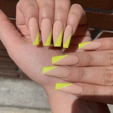 Pretty Acrylic Nails Ideas To Perfect Your Styles 31 1