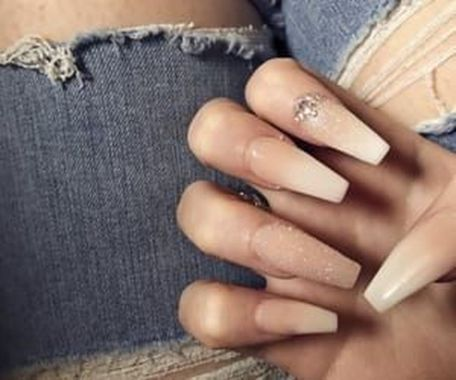 Pretty Acrylic Nails Ideas To Perfect Your Styles 42