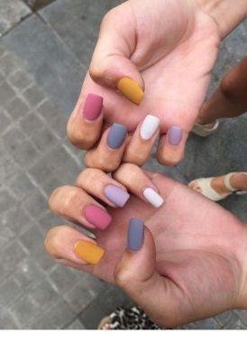 Populariest Summer Nail Colors Of 2020 01