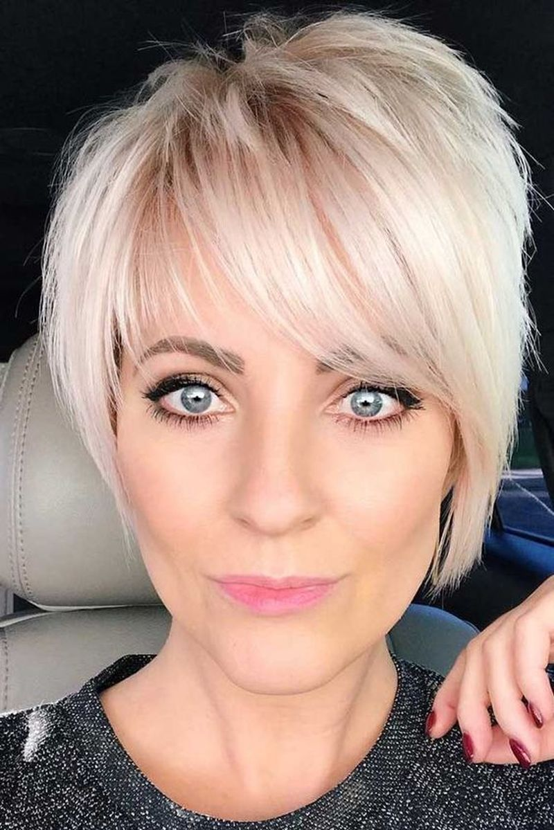 35 Best Short Haircuts For Women Over 50 With Fine Hair ...