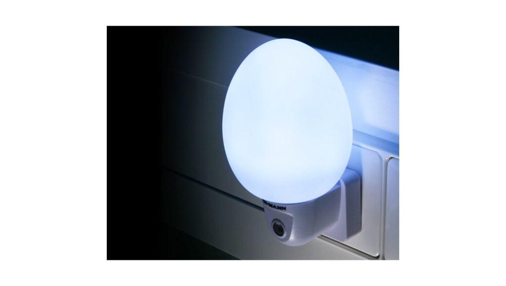 Luz led nocturna con sensor de luminosidad: Ansmann NL4W – Opinión