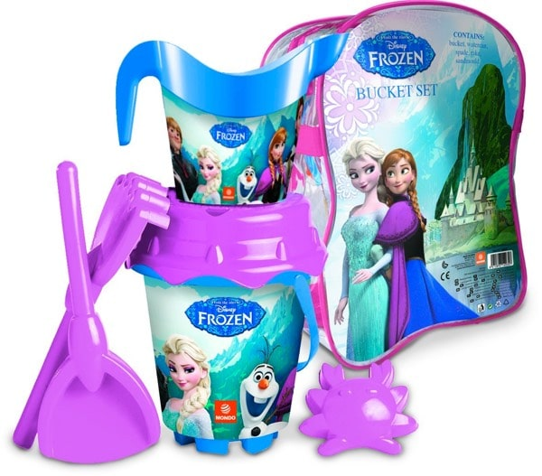 Vamos a la playa con los cubos y palas de Frozen