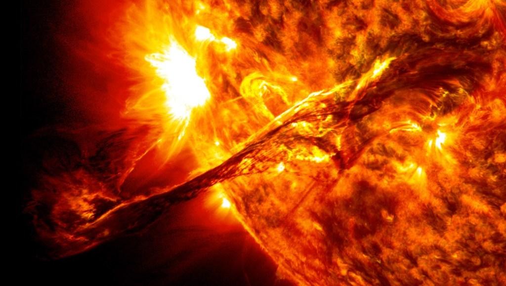 Luchando contra el sol y el calor del verano: los trucos definitivos para ayudar a tu bebé