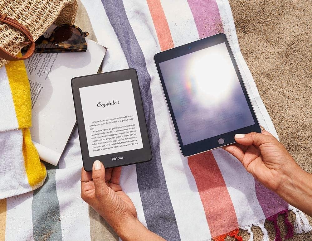 """El mejor regalo para el Día de la Madre para una madre que sea una fanática de los libros y la lectura: Kindle Paperwhite - Resistente al agua, pantalla de alta resolución de 6"""", 8 GB"""