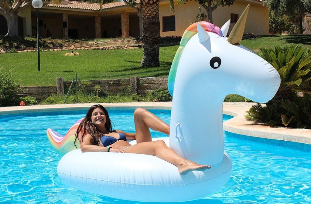 Flamingueo: tienda online para comprar con descuento el flotador gigante de unicornio Raphael