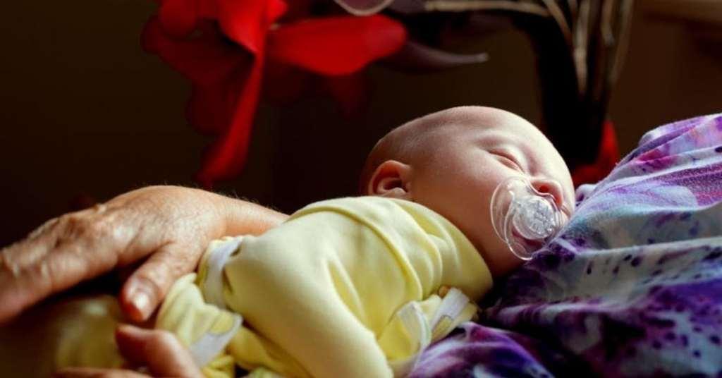 ¿Qué podemos hacer para mejorar las posibilidades de que el bebé duerma adecuadamente?
