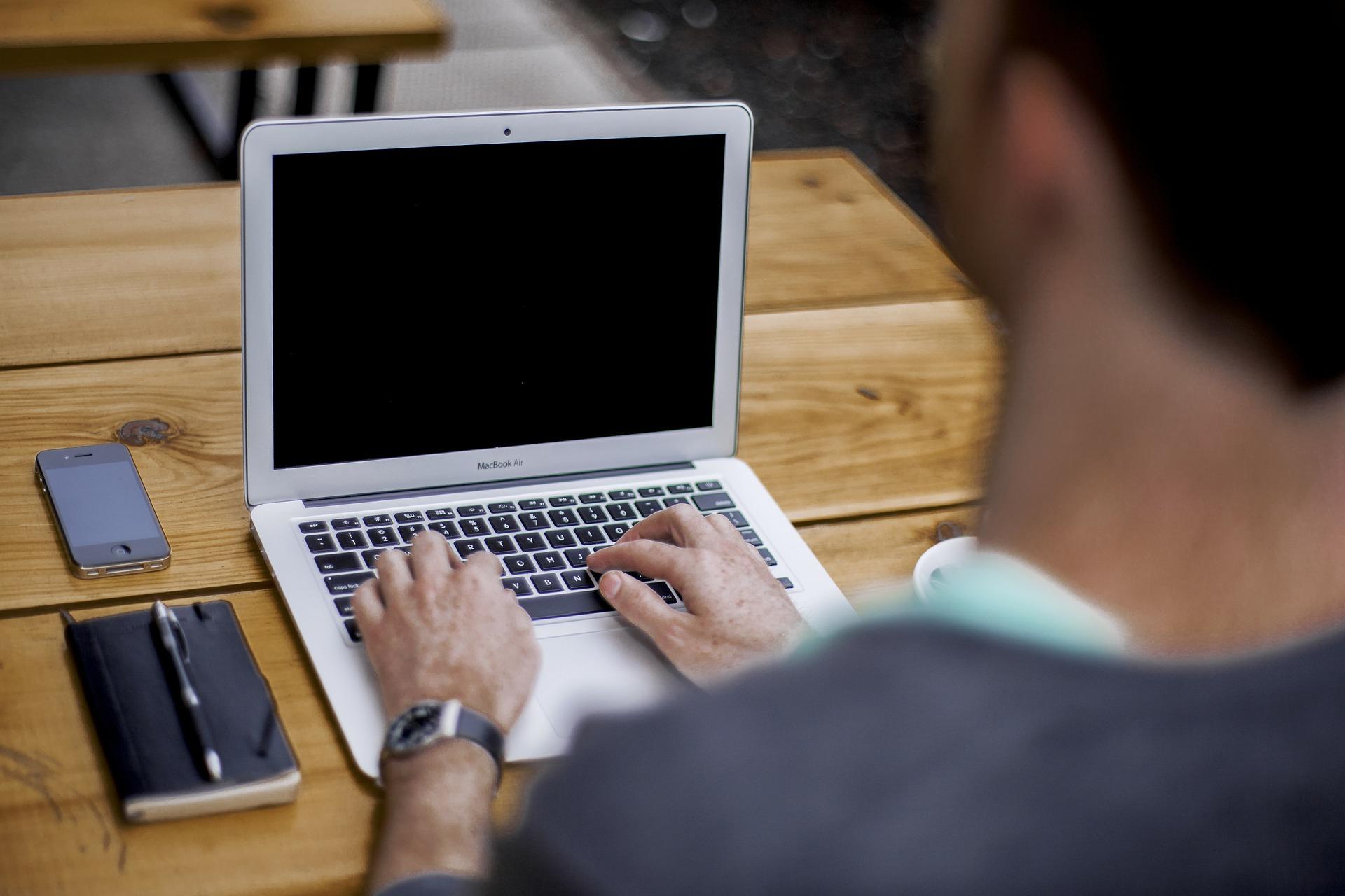 A gyerekeket érintő digitális veszélyekről